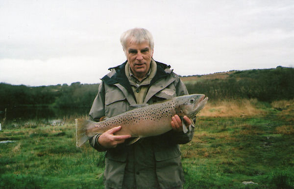 GRAHAM-MARTIN-LARGE-BROWN-TROUT-14LB130Z.JPG